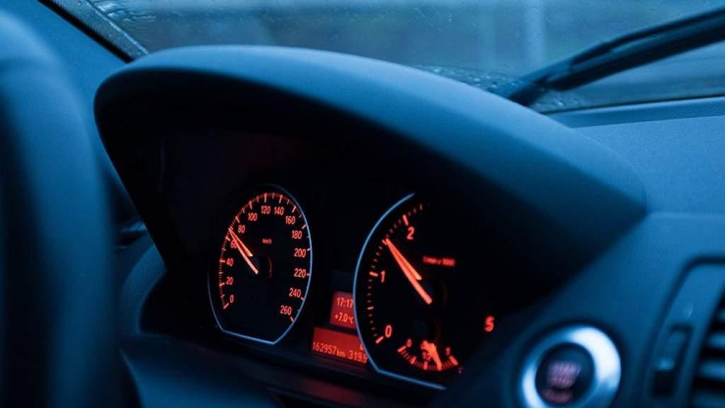 На каких оборотах двигателя нужно ездить зимой
