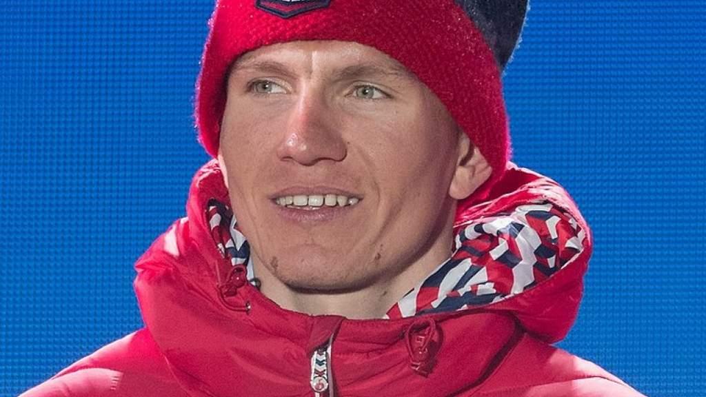 Россиянин Александр Большунов во второй раз выиграл лыжную многодневку «Тур де Ски»