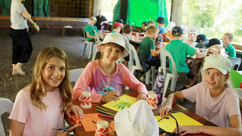 Скауты Австралии общались по-русски в летнем лагере