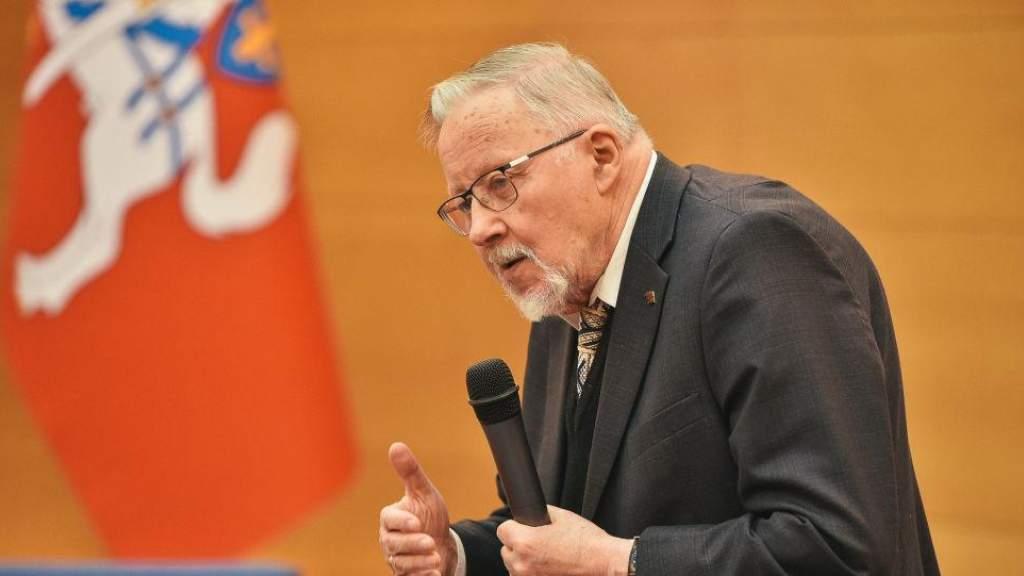 Статус патриарха литовской демократии Ландсбергиса вызвал споры в Сейме
