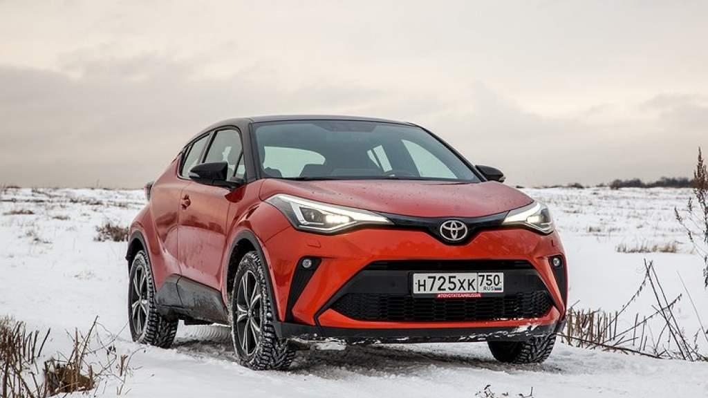 Тест-драйв обновленной Toyota C-HR: выбираем лучшие версию и мотор