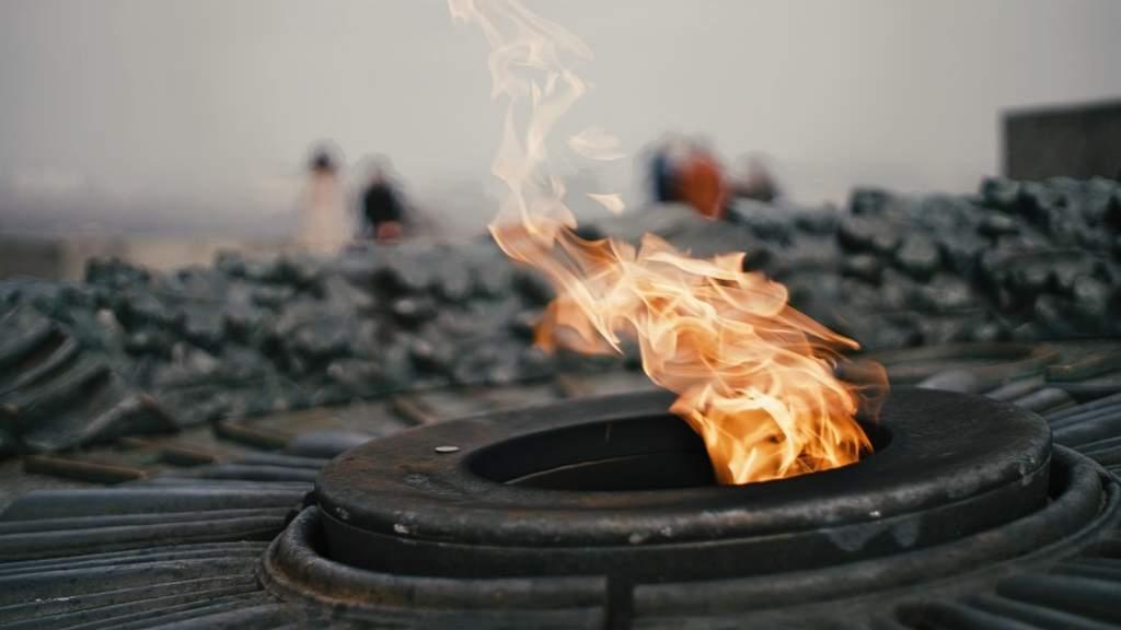 Вечный огонь вновь загорелся в Сербии