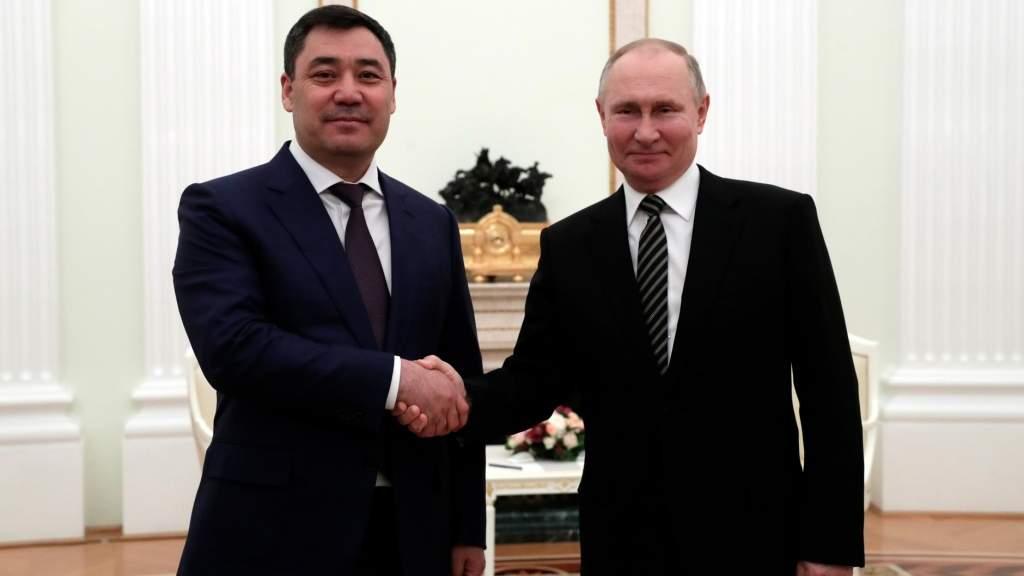 Владимир Путин отметил важность сохранения статуса русского языка в Киргизии