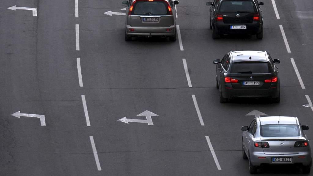 Зато экологично?! В Латвии на 34,4% рухнуло число зарегистрированных автомобилей