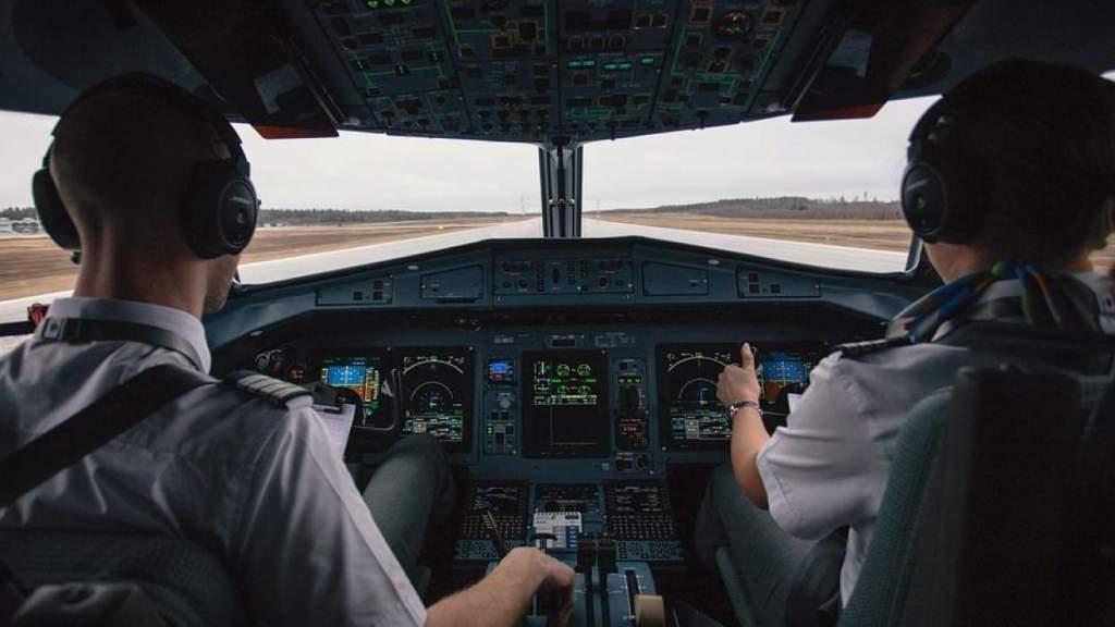 Эксперт: из-за «закрытого неба» латвийские пилоты теряют навыки и квалификацию