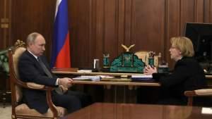 Российские вакцины эффективны против новых штаммов коронавируса, сказал президент