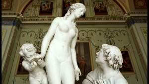 Эрмитаж получил «официальную жалобу» о плохом влиянии обнаженных скульптур на детей