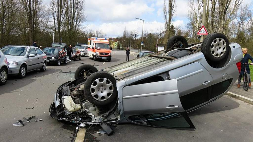 Почему автопроизводители намеренно ухудшают управляемость машин