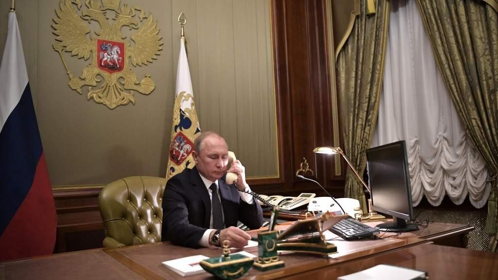 Президенты России и США обсудили по телефону возможности развития диалога