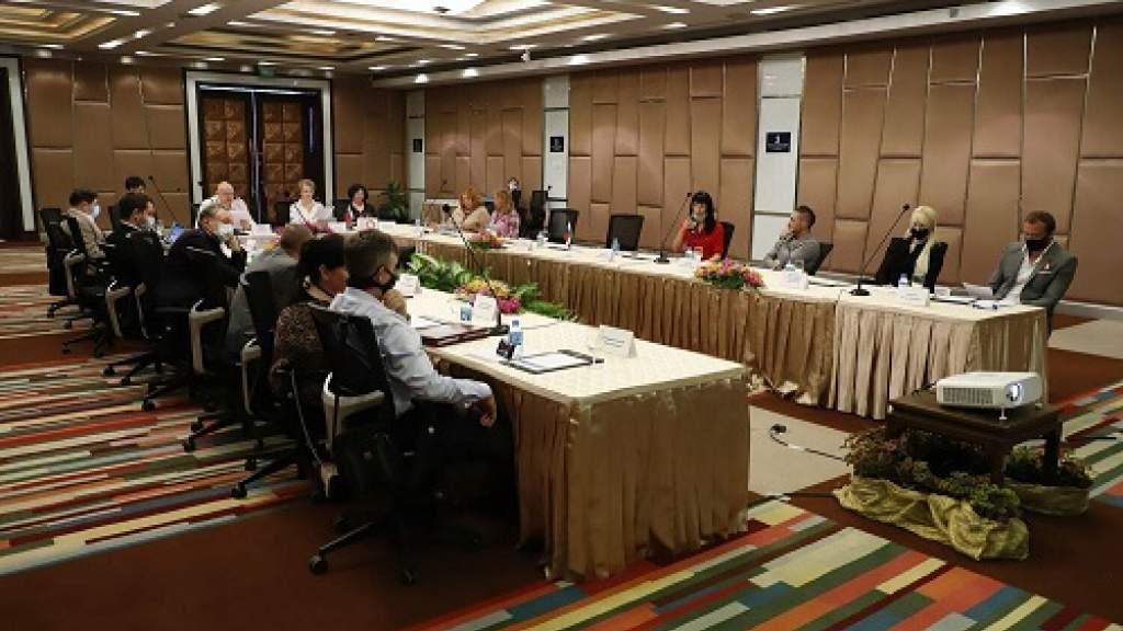 Соотечественники в Таиланде намерены попросить «Спутник V»