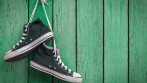Как и куда сдать старую спортивную обувь: переработка, благотворительность