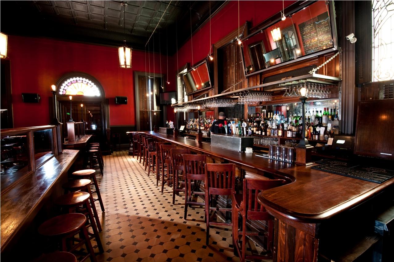 Classic Bar Counter Design