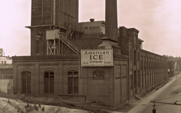 American Ice Company on Franklin Street, 1938. Courtesy Baltimore Museum of Industry, BGE 11708.