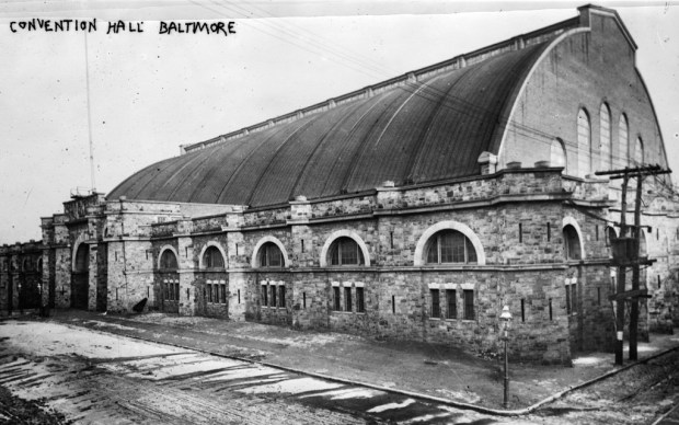 Photograph of the Armory during the 1912 Democratic National Convention from the Bain News Service. Courtesy Library of Congress, LC-DIG-ggbain-11791.