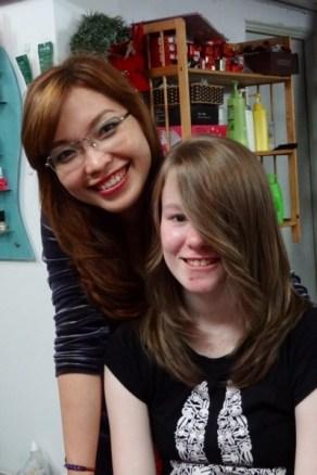 Vår herlige frisør i Hanoi