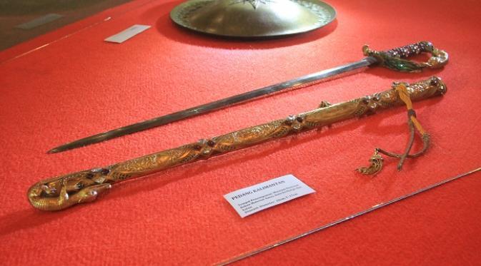 contoh peninggalan kerajaan kutai