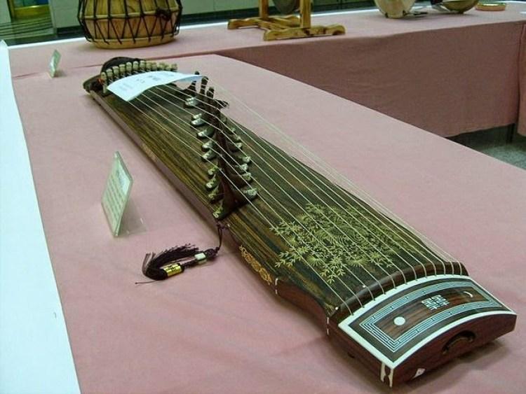 alat musik petik di indonesia