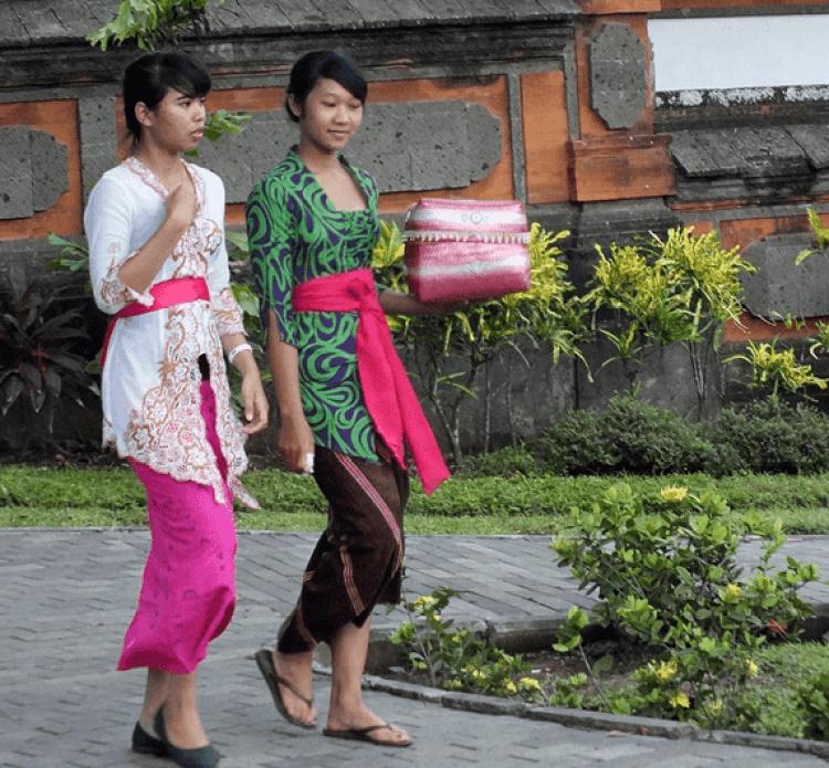 7+ Nama dan Gambar Pakaian Adat Bali untuk Wanita dan Pria ...