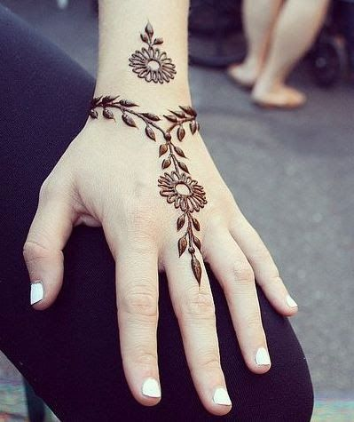 Gambar Henna Simple Unik