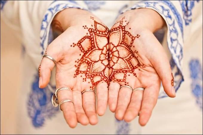 Gambar Henna Simple dan cantik