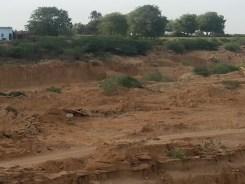 Lifting sand_Malir River 2