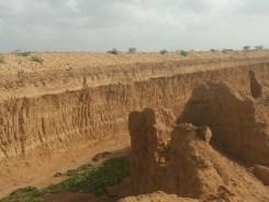 Lifting sand_Malir River 5