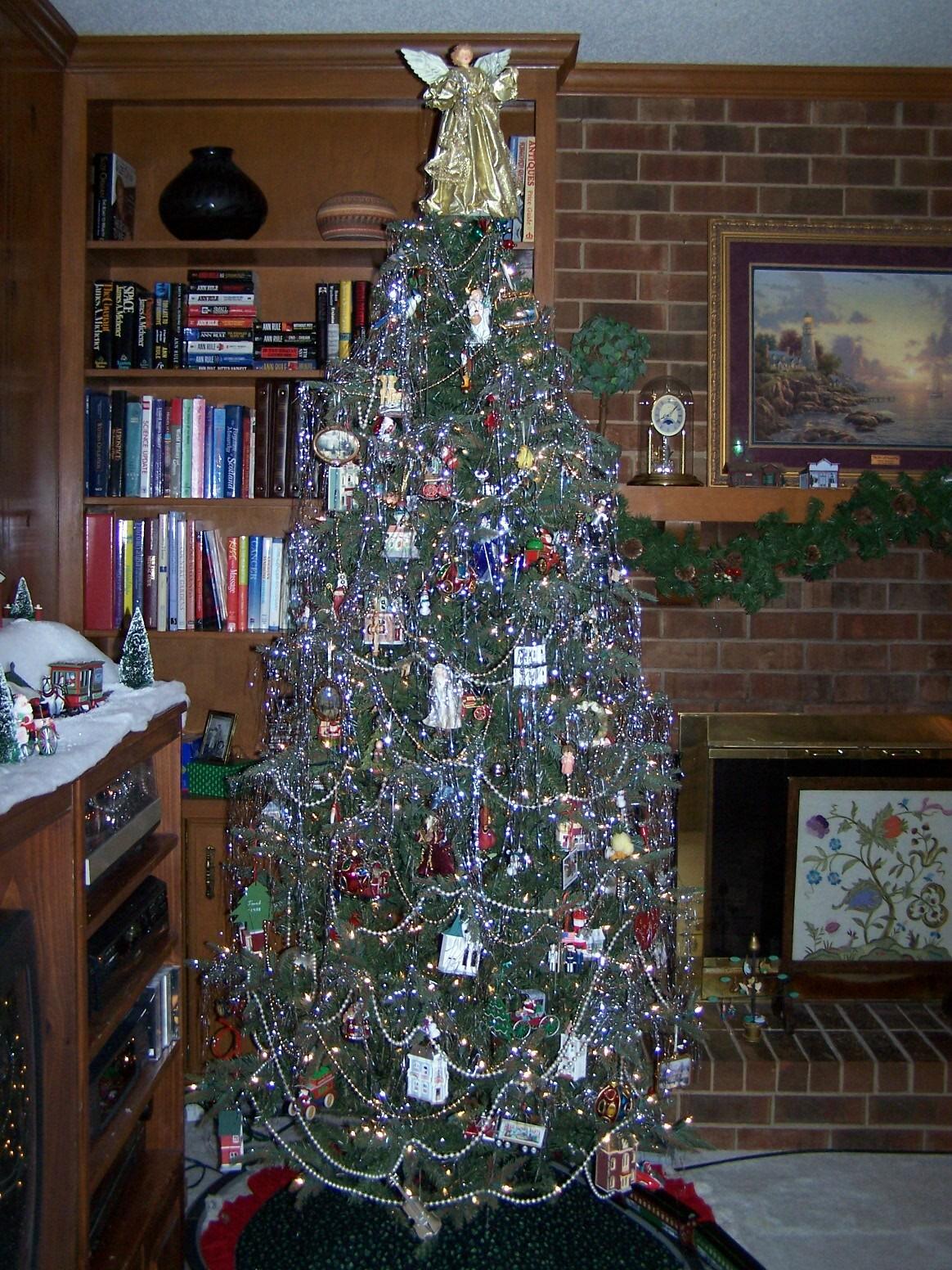 burch-christmas-tree-20081