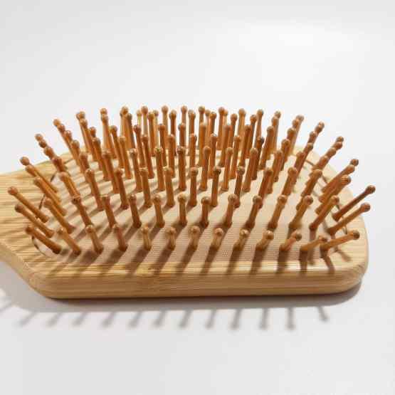 detail picots brosse a cheveux en bambou