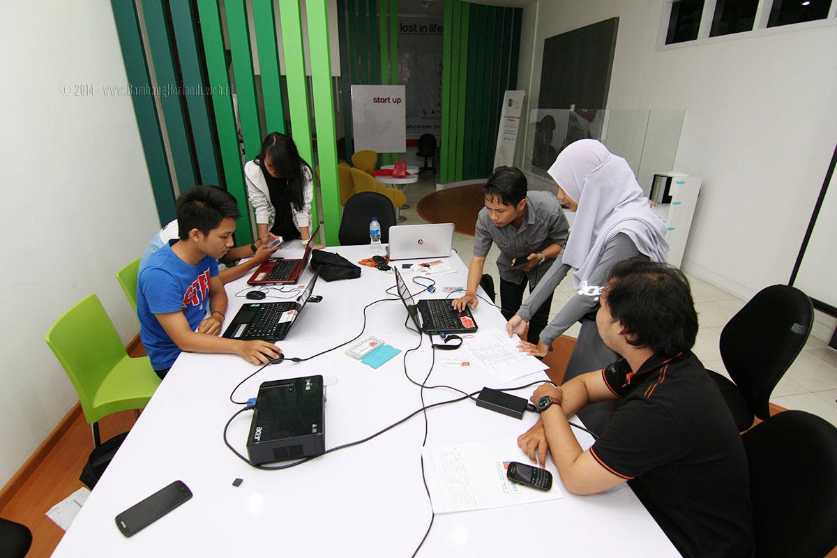 diskusi membuat website dan blog profesional di DI-LO Balikpapan