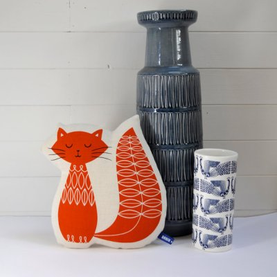 Robin & Mould cat cushions