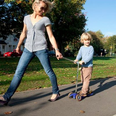 scooTow – the new scooter accessory for towing little ones with ease