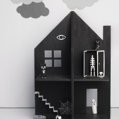 Make Your Own: Haunted Doll's House