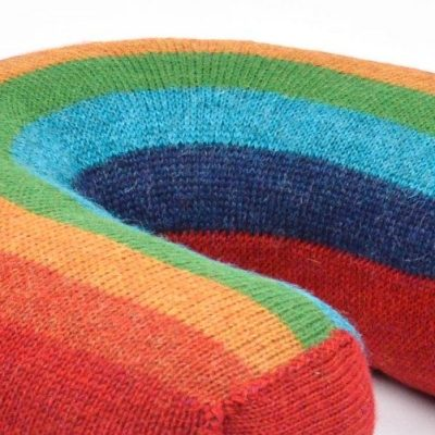 Covetable: Oeuf rainbow cushion