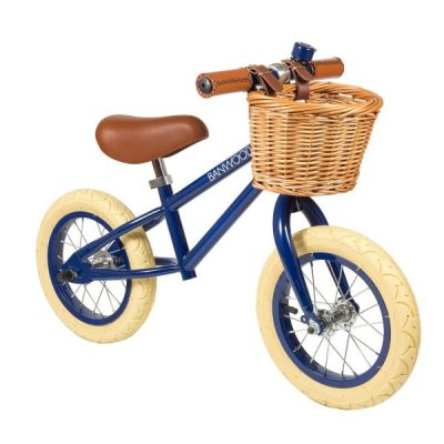 Banwood First Go balance bikes