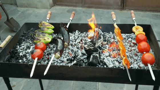 The Can't-Miss Culinary Experience in Armenia: Khorovatz
