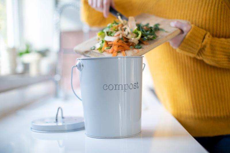 come ridurre i rifiuti organici e lo spreco alimentare in casa