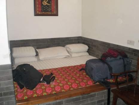 Immer noch mein Standard-Gepäck: Im Hostel in Pingyao 2009