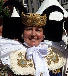 Bückeburger Tracht. Foto dank Wikipedia