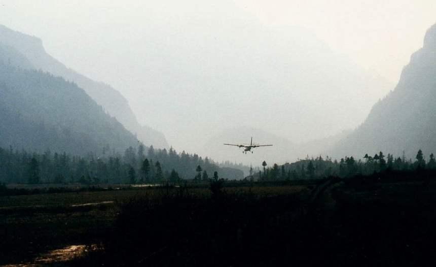 Manang Airport: Das Flugzeug kommt!