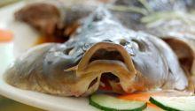 2015 Shanxi Essen 022 Halb - Fisch in China: immer frisch und lecker