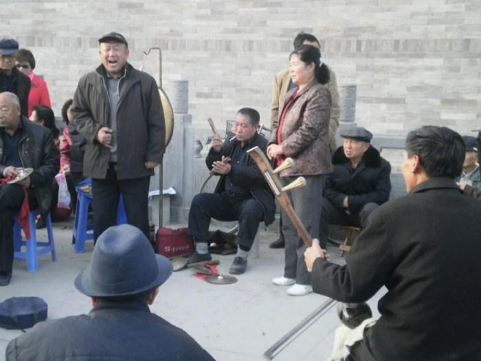 Typisches Entertainment: Straßenmusik