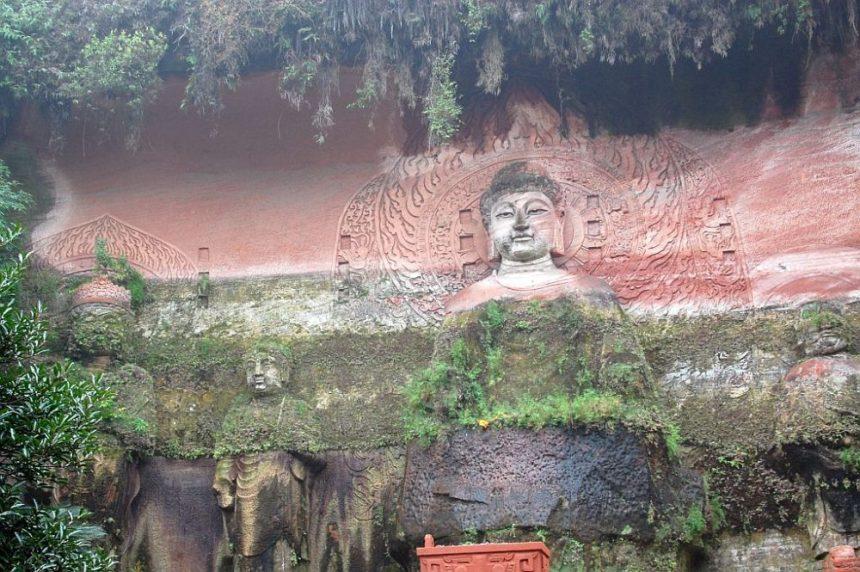Buddha Reliefs in der Oriental Buddha Capital