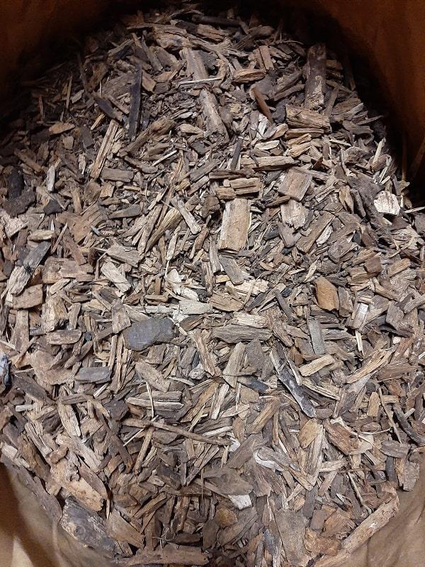 Le mulch permet aussi l'apport de matière organique sur le long terme