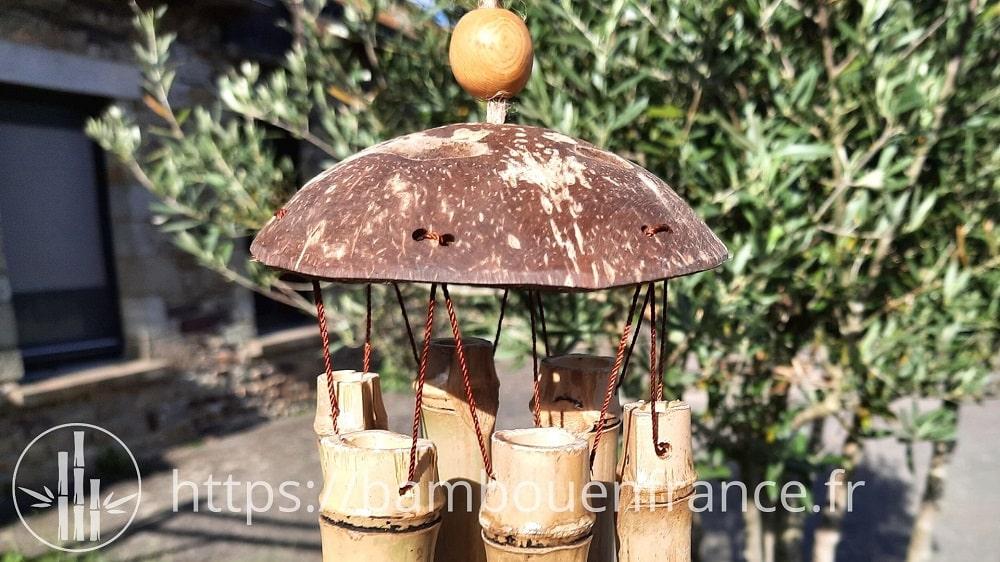 Carillon en bambou et noix de coco