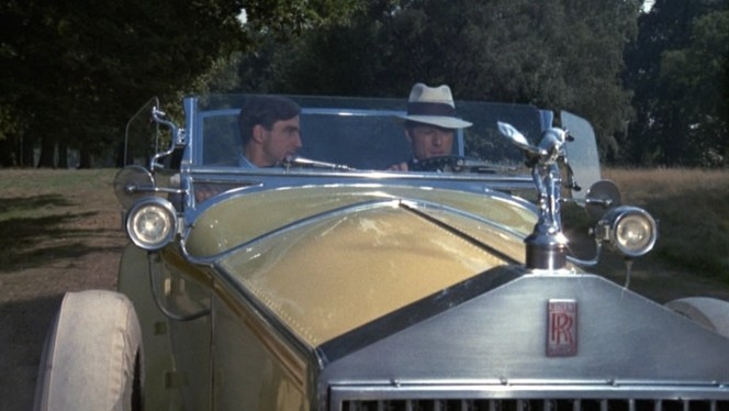 Gatsby and Nick head into town in style.