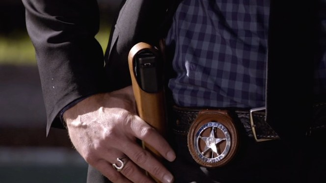 """Raylan prepares for a showdown in """"Fixer"""" (Episode 1.03)."""