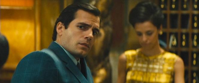 Solo wears a tri-tone blue check suit in several scenes.
