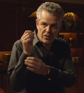 "Danny Huston as Ben ""the Butcher"" Diamond in ""...And Your Enemies Closer"", episode 2.07 of Magic CIty (2012-2013)"