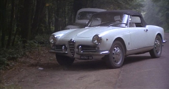 The Jackal's Alfa Romeo is registered with plates GE 16 1741.