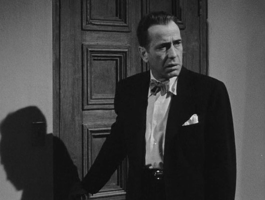 By the end of In a Lonely Place, Dix's paranoia and self-loathing have reduced him to a temperamental thug.